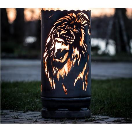 kleine Feuertonne brüllender Löwe