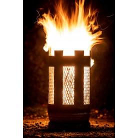 kleine Feuertonne mit Streckmetall
